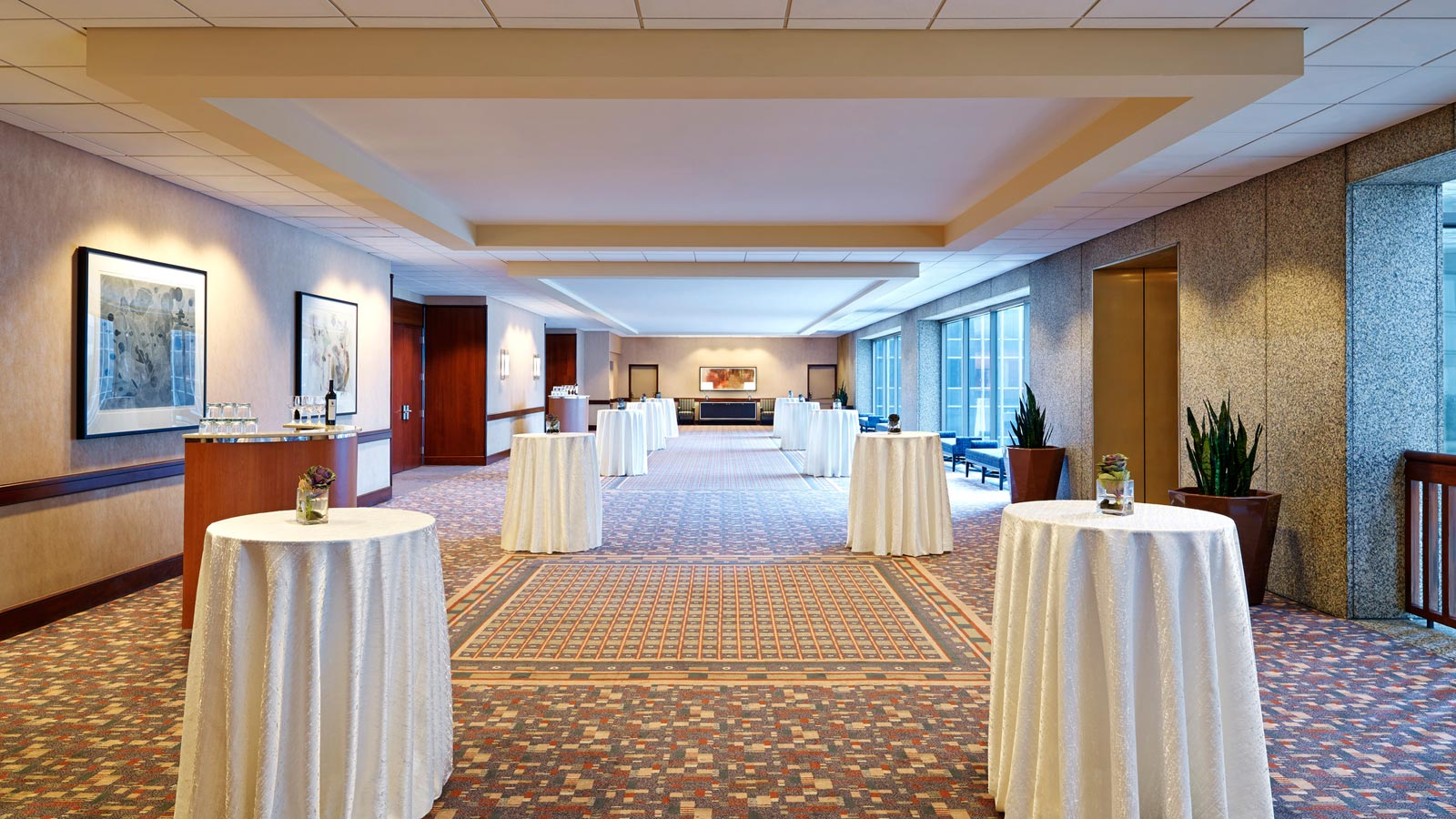 Kansas city wedding venues sheraton kansas city hotel at crown center grand ballroom foyer junglespirit Image collections